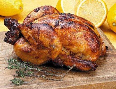 Курица, маринованная в масле и чесноке