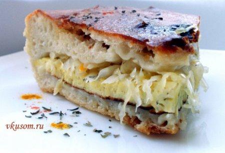 Пирог с капустой и омлетом